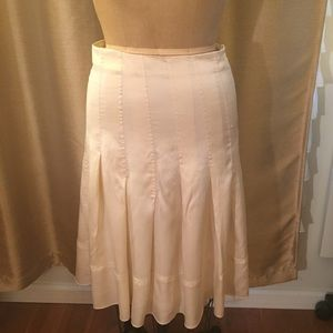 BCBG cream silk pleated midi skirt